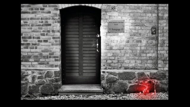Tür mit Schwarz Synagoge Halle