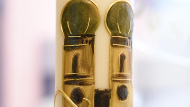 Handwerk und Tradition: Anlässlich des 150-Jahre-Jubiläums der Firma gab es besonders verzierte Kerzen.