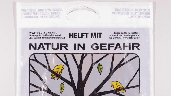 """Ausstellung """"Adieu Plastiktüte!"""" Geblockt für STIL"""
