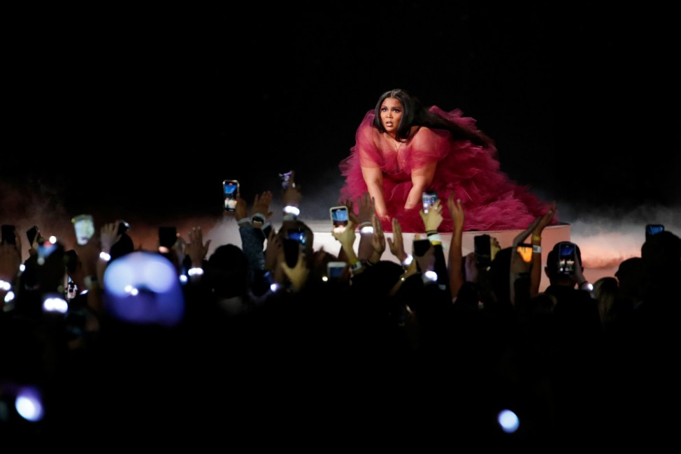 "2019 American Music Awards âÄ"" ShowâÄ"" Los Angeles, California, U.S., November 24, 2019 âÄ"" Lizzo performs."
