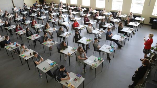 Abitur-Prüfungen beginnen