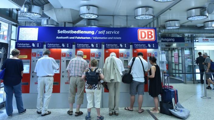 Neu gestaltetes Reisezentrum am Hauptbahnhof in München, 2017