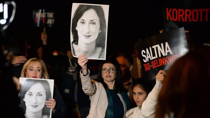 Fall Daphne: Die Stimmung schlägt um: Demonstranten forderten vergangene Woche in Valletta Aufklärung im Mordfall Daphne Caruana Galizia.