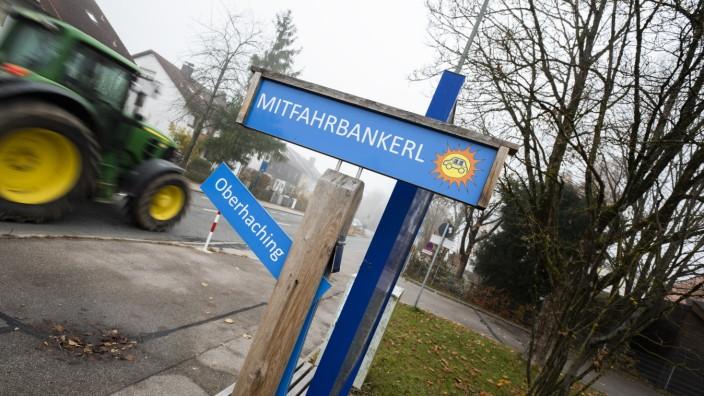 Höhenkirchen, Brunnthaler Straße, Mitfahrbankerl