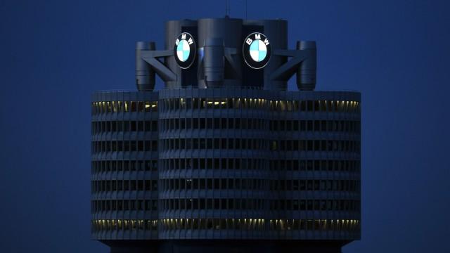 Ansicht von Muenchen Bayern mit Zentrale und Werk des deutschen Automobilherstellers BMW Bayerisc