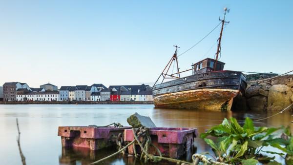 Blick auf den Fischerort Claddagh, einen Ortsteil von Galway.