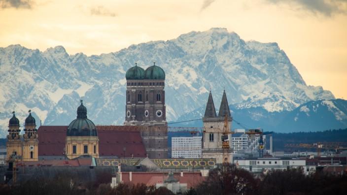 München ist ein teures Pflaster. Ein Großteil der jungen Einwohnerinnen und Einwohner hat Sorge, sich das Leben hier nicht leisten zu können.