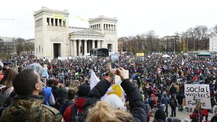 Fridays for Future: Klimastreik-Demo auf dem Königsplatz München