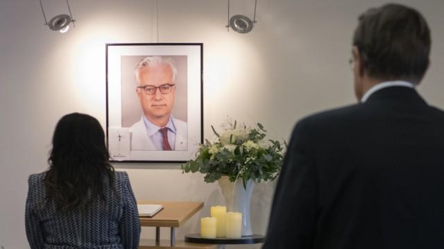 Chefarzt vonWeizsäcker in Berlin erstochen - Trauer
