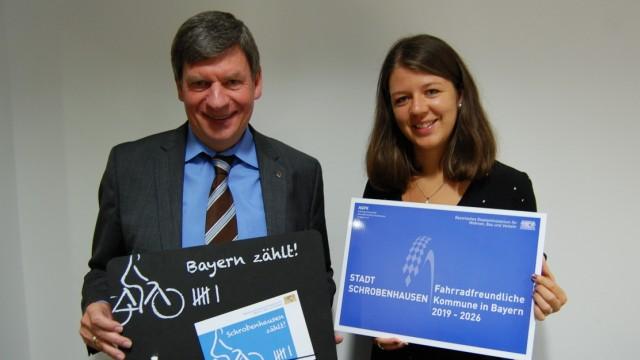 Schrobenhausens Bürgermeister Karlheinz Stephan und die Beauftragte für Klimaschutz Tanja Jenter