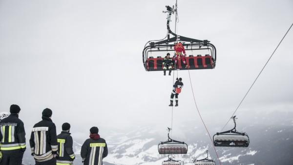 Rettungsübung von Samstag im Skigebiet 3 ZINNEN DOLOMITEN an der neuen 8er Premium Sesselbahn Hasenköpfl.