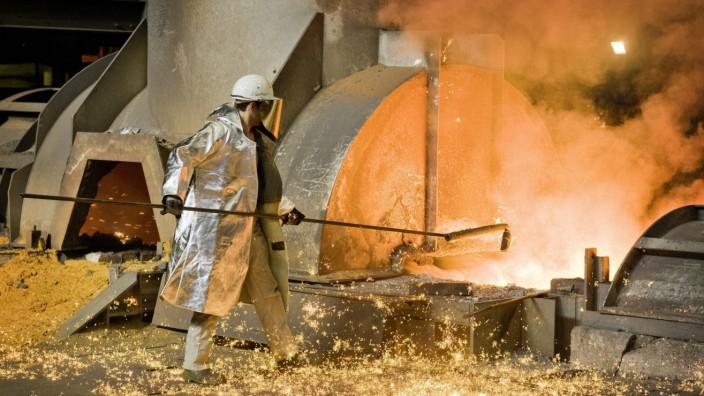 Arbeiter an der Gießbühne Hochofen 8 Duisburg Hamborn ThyssenKrupp Steel AG Duisburg Worker w