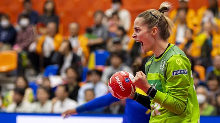 Handball, Frauen: WM 2019, Vorrunde, Gruppe B, 1. Spieltag , Deutschland - Brasilien Torhueterin Dinah Eckerle (Deutsch