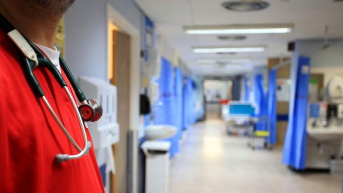 Britischer Gesundheitsdienst sieht Patienten inGefahr