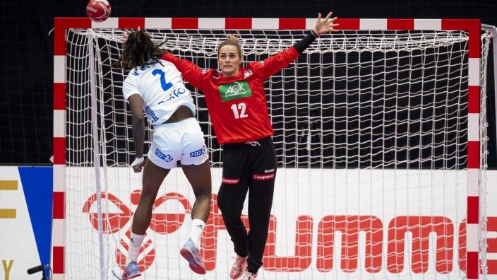 Handball, Frauen: WM 2019, Vorrunde, Gruppe B, 4. Spieltag , Deutschland - Frankreich Meline Nocandy (Frankreich), Torh; Handball-WM Deutschland Frankreich