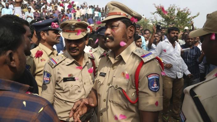 Polizei erschießt vier mutmaßliche Vergewaltiger in Indien