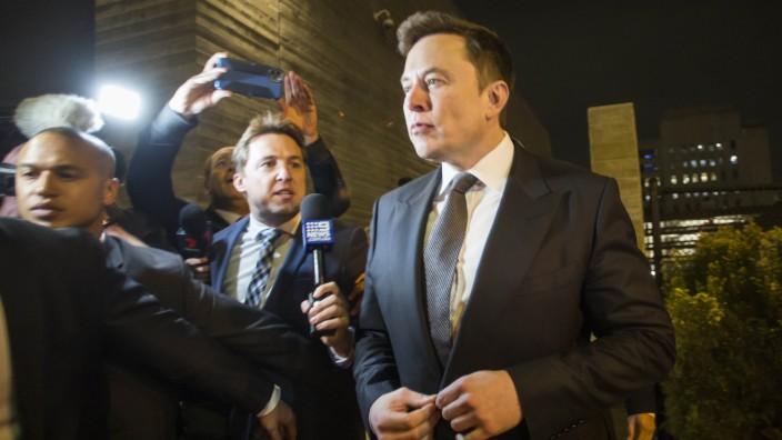 Defamation Lawsuit Against Tesla CEO Elon Musk Over Calling British Rescue Diver ''Pedo Guy' And Rapist Begins In Los Angeles