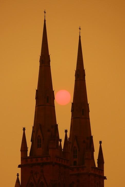 BESTPIX - Sydney Blanketed In Smoke As Bushfires Continue To Burn Across NSW