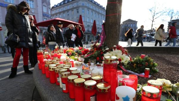 Trauer am Königsplatz in Augsburg