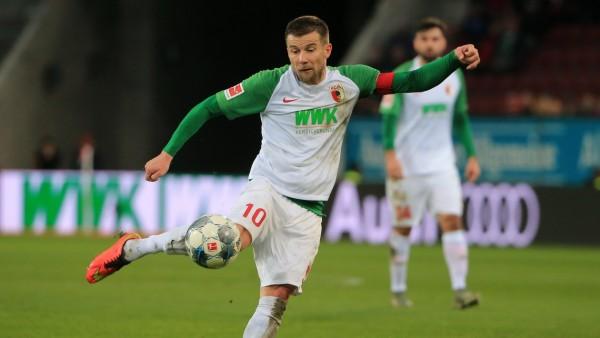 07.12.2019, 1.Bundesliga, FC Augsburg vs Mainz 05, WWK Arena Augsburg, im Bild: Daniel Baier (FC Augsburg) *** 07 12 201