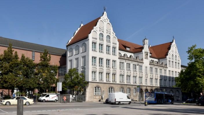 Das Luisengymnasium in München.