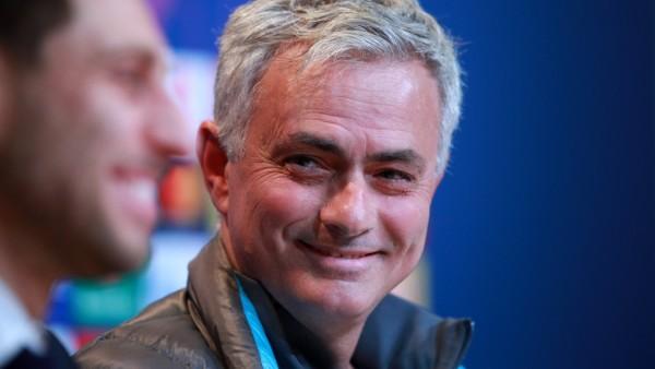 Tottenham Hotspur: Trainer José Mourinho bei einer Pressekonferenz