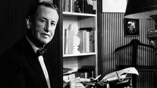 Ian Fleming Writer: James Bond 01 May 1958 PUBLICATIONxINxGERxSUIxAUTxONLY Copyright: MaryxEvansxxxAFxArchive 12049364 e