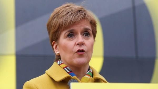 SNP leader Nicola Sturgeon campaigns in Edinburgh