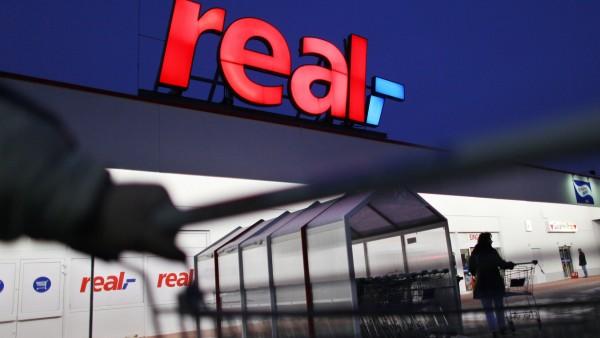 Kartellamt prüft Kauf von Real-Standorten durch Edeka
