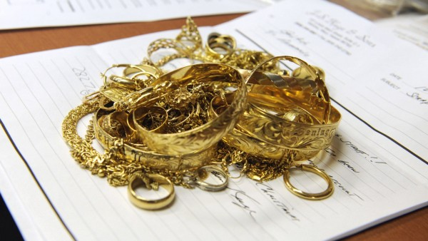 Dec 18 2009 Atlanta Georgia USA A shipment of nearly 10 oz of gold jewelry awaits the meltin