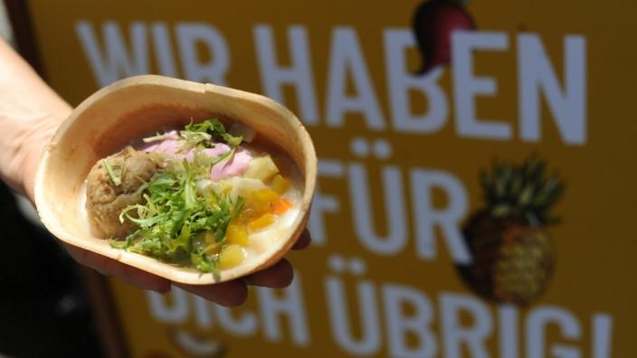 """""""Foodsharing München"""" verteilt Gratis-Lebensmittel in München, 2019"""