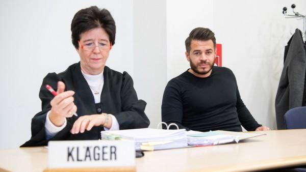 Prozess nach Operation am falschen Auge am Oberlandesgericht München