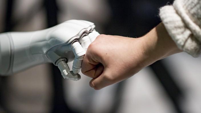 Speed Dating mit KI - Meet the Robots bei KI-Tagen