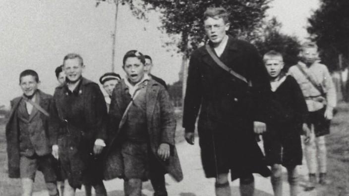 Karl Leisner unterwegs mit einer katholischen Jugendgruppe.