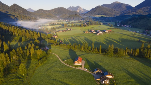 Germany, Bavaria, Upper Bavaria, Isarwinkel, Jachenau, Ortsteile Fleck and Erbhof, rural landscape at sunrise PUBLICATIO