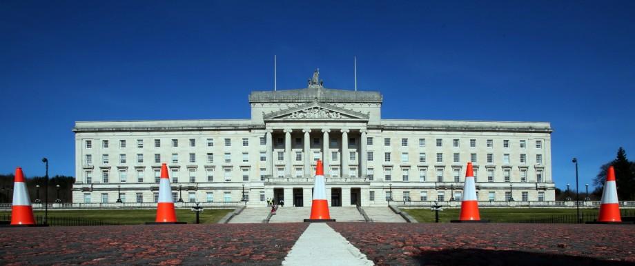 Nordirland: In Stormont, dem gewaltigen, weißen Palast außerhalb von Belfast, hat das nordirische Parlament seit mehr als drei Jahren nicht mehr getagt.
