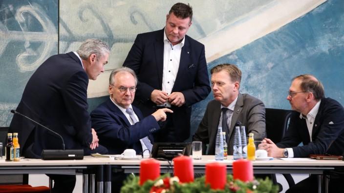Innenminister Holger Stahlknecht (CDU,Sachsen Anhalt),Ministerpräsident Reiner Haseloff (CDU,Sachsen Anhalt),Parlamentar