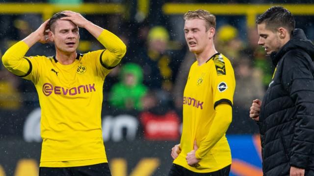 Enttäuschte BVB-Spieler nach dem Spiel Borussia Dortmund gegen RB Leipzig