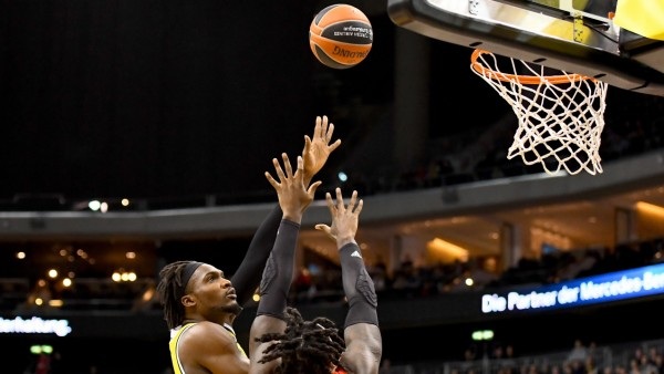 18.12.2019, xlakx, Basketball EuroLeague, Alba Berlin - FC Bayern Muenchen emspor, v.l.Landry Nnoko (Alba Berlin, No.35