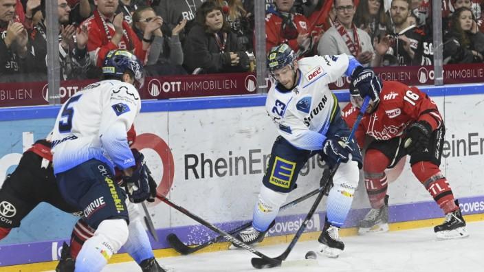 Eishockey DEL 27. Spieltag: Kölner Haie vs ERC Ingolstadt am 15.12.2019 in der Lanxess Arena in Köln Ingolstadts Mauric