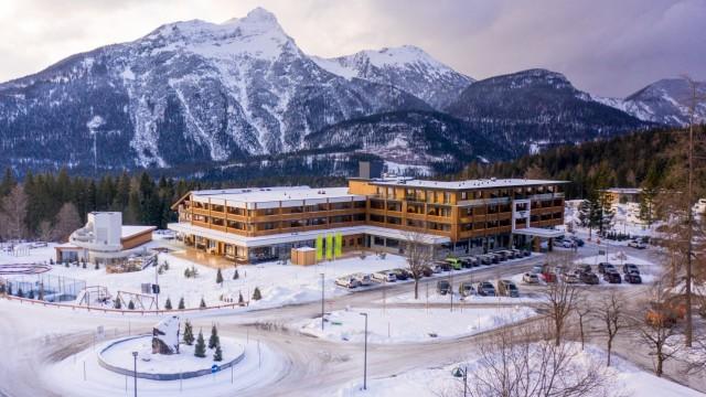 Zugspitz Resort Ehrwald Zugspitze Österreich Hotel Skifahren Ski Winter