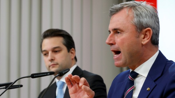 Head of FPOe Hofer and leader of Vienna's FPOe Nepp address the media in Vienna