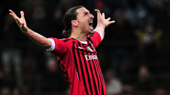AC Milan: Zurück auf Los: Zlatan Ibrahimovic spielt wieder für den AC Mailand - wie hier auf einem Foto von 2012.
