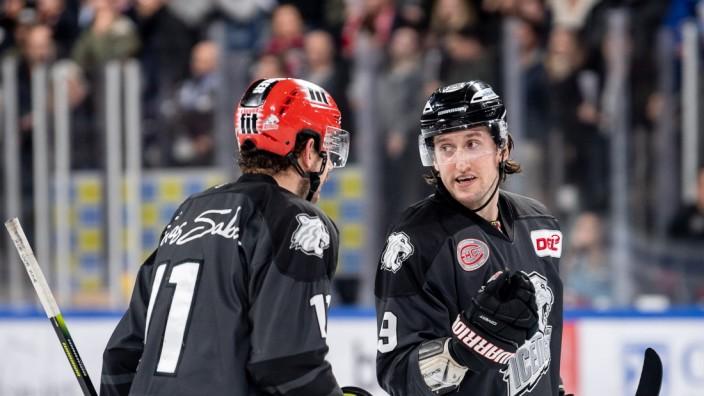 29.11.2019 - Eishockey - Saison 2019 2020 - DEL - 22. Spieltag: Thomas Sabo Ice Tigers Icetigers Nürnberg - Augsburger P; Eishockey DEL - Nürnberg Ice Tigers - Brandon Buck Will Ecton Chris Brown