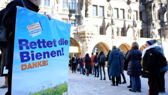 """Volksbegehren """"Artenvielfalt - Rettet die Bienen"""" in München, 2019"""