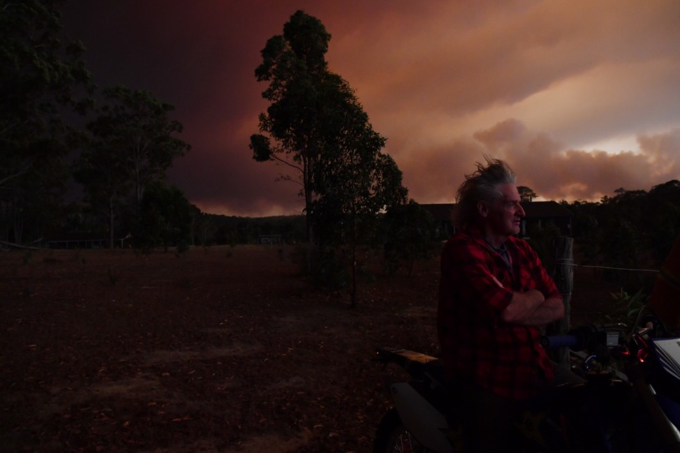 ***BESTPIX*** Multiple Bushfires Burning At Emergency Level Across NSW Following Death Of Volunteer Firefighter