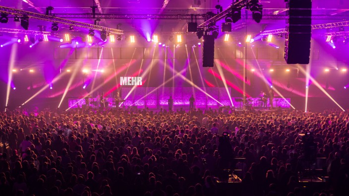 10.000 Christen treffen sich zur Glaubenskonferenz MEHR
