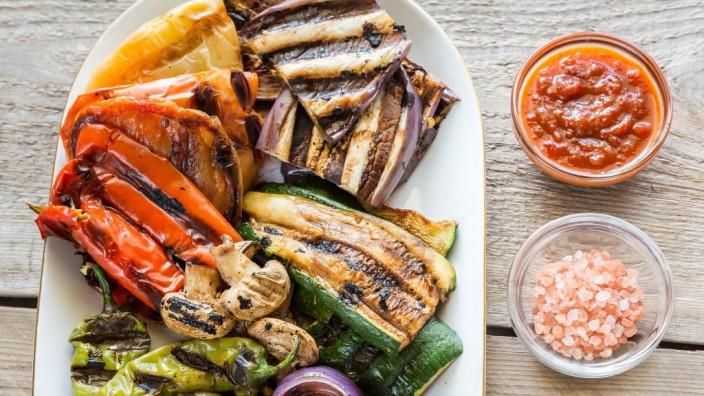 Immer nur Gemüse? Kartoffelähnliche Knollen gehören auch schon seit 170 000 Jahren auf den Speiseplan des Menschen.