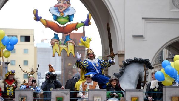 Fasching in München: Der Faschingszug der Damischen Ritter