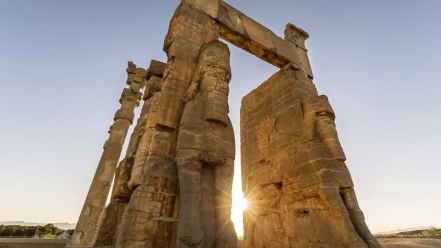 Iran Shiraz Province Persepolis Gate of all Nations PUBLICATIONxINxGERxSUIxAUTxHUNxONLY FPF00211